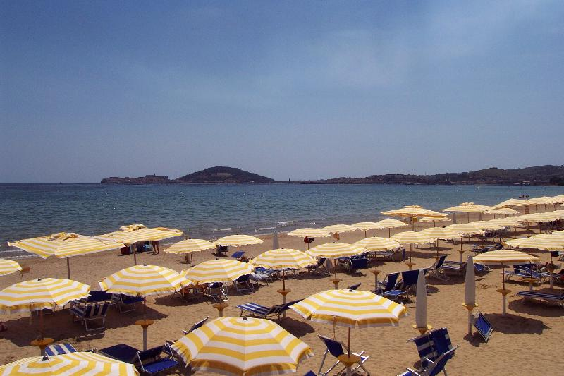 Vindicio beach - Beach front! Family friendly apt sleeps 4 - Formia - rentals