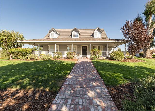 Large Family Home among the Rolling Hills and Oaks of Templeton - Image 1 - Templeton - rentals