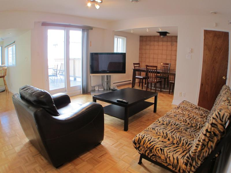 The Ivy - 2 Beds, 1 Bath - Image 1 - Montreal - rentals