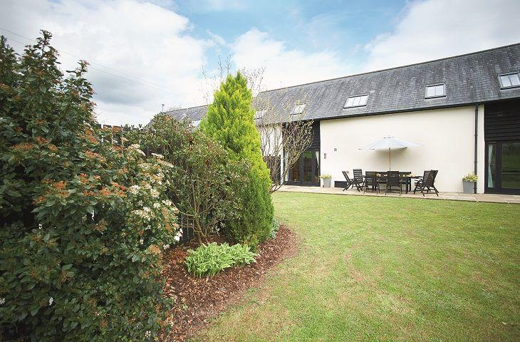 Lower Curscombe Barn - Image 1 - Buckerell - rentals