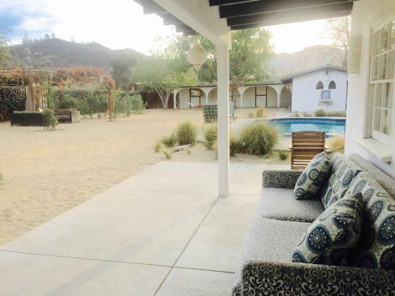 Dillard's Pool House is on part of the estate once owned by Bette Davis - Pool House in North Griffith Park - Glendale - rentals