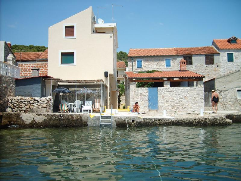house - 7212  A(2+1) - Luka (Island Prvic) - Prvic - rentals