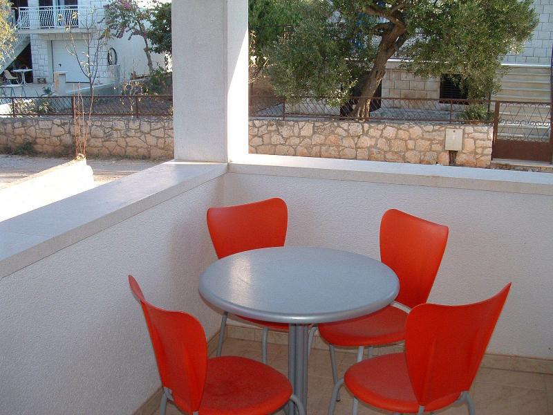 A5(3+1): terrace - 00301SUPE  A5(3+1) - Supetar - Supetar - rentals