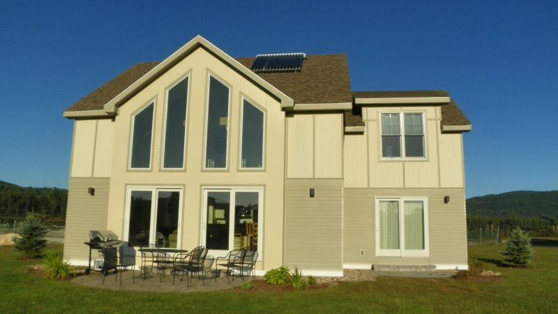 Newer 4 Bedroom Vacation Rental Home on Owl`s Nest Golf Resort - Image 1 - Campton - rentals