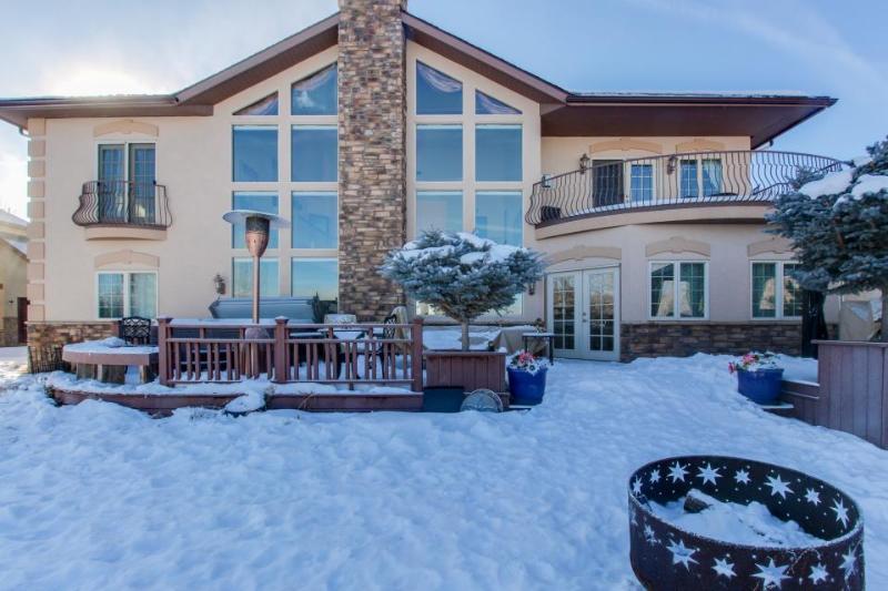 Elegant dog-friendly home w/ mountain views, gourmet kitchen & private hot tub! - Image 1 - Gypsum - rentals