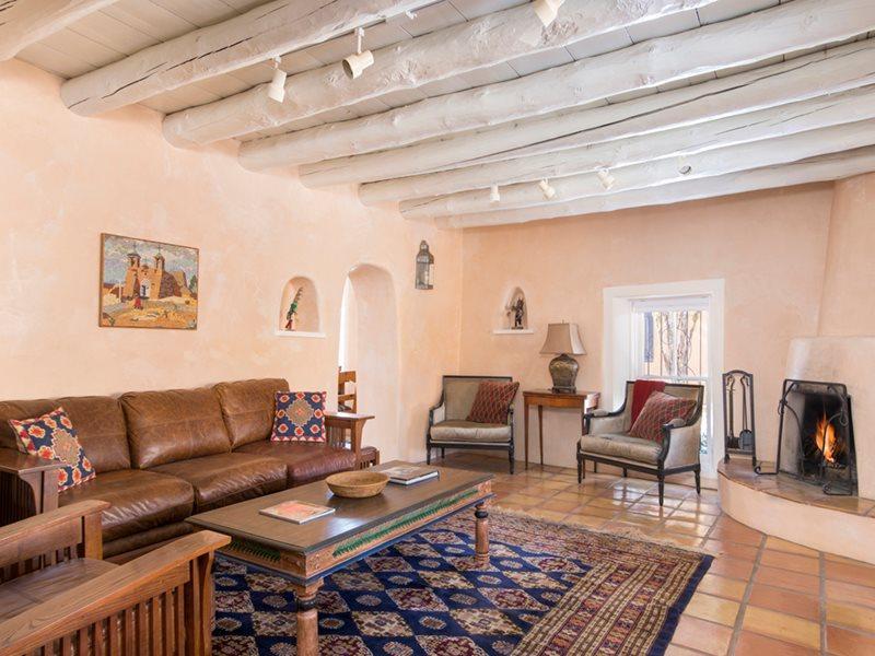 Living Room - Casita Encantada de Santa Fe - Santa Fe - rentals