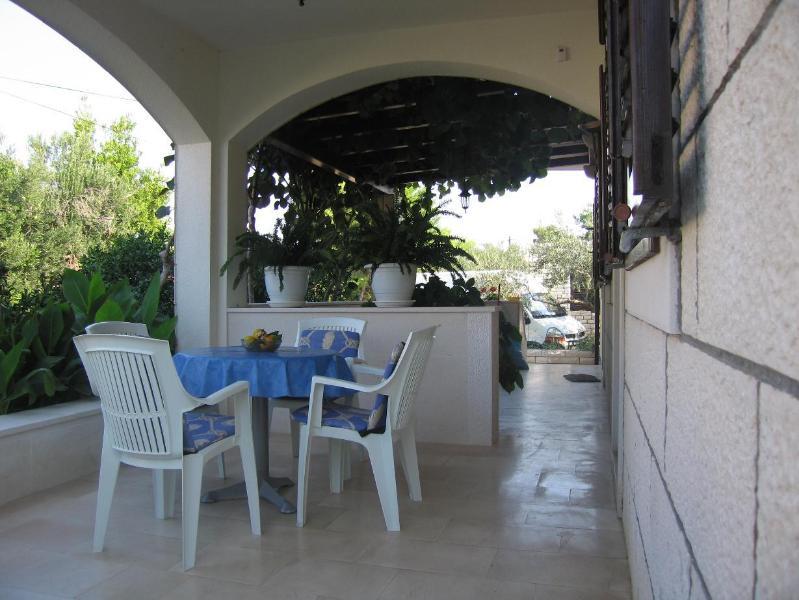 A2(4): terrace - 2597 A2(4) - Supetar - Supetar - rentals