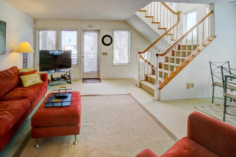 Oceanview townhome steps to the beach w/private hot tub! - Image 1 - San Diego - rentals