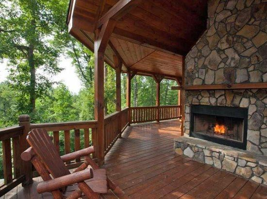 Outdoor fireplace over looking the mountains - Fireside Lodge - Ellijay - rentals