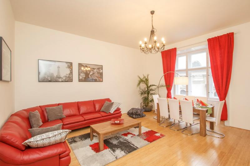 Lounge and dining area - Old Town Central apartment by Old Town Square - Prague - rentals