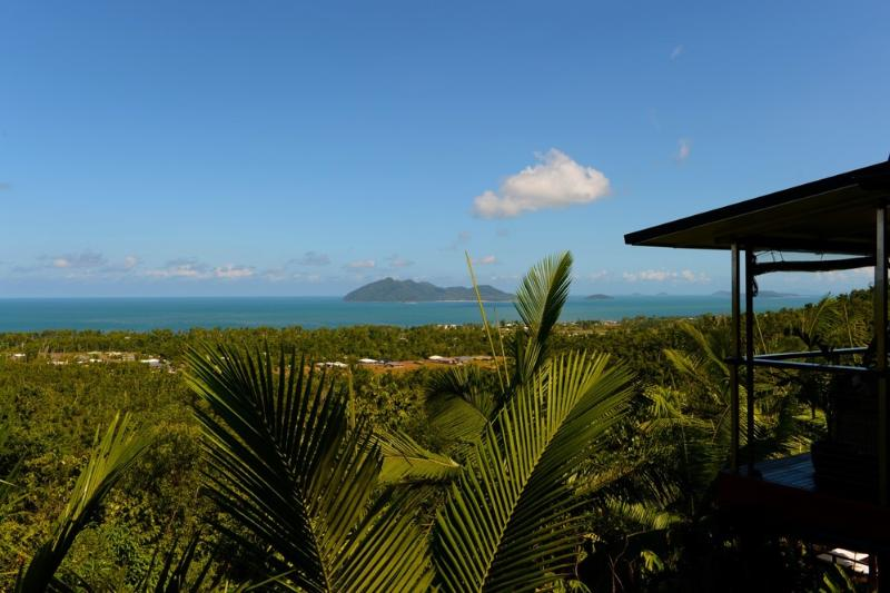 Rainforest Hideaway - View to Dunk Island and the Coral Sea  - Rainforest Hideaway - Mission Beach - rentals