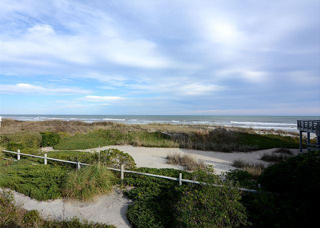 Giggigan's-Enjoy a relaxing vacation at this ocean view home on the north end - Image 1 - Wrightsville Beach - rentals