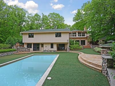 Outdoor pool, firepit, barbecue and playground (off camera) area.  (Astroturf, with putting green!) - S&J#46 Live Large! 7BR 5ba Pool-Spa-Meeting Space! - Minneapolis - rentals