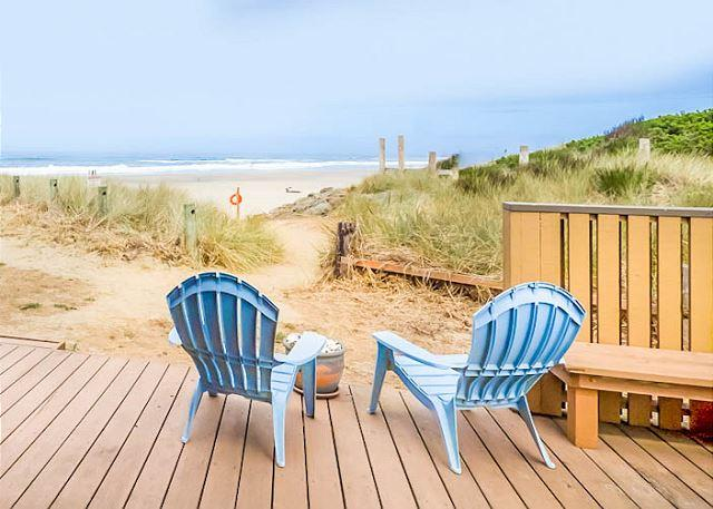 Updated Luxury with Private Oceanfront Deck! - Image 1 - Neskowin - rentals