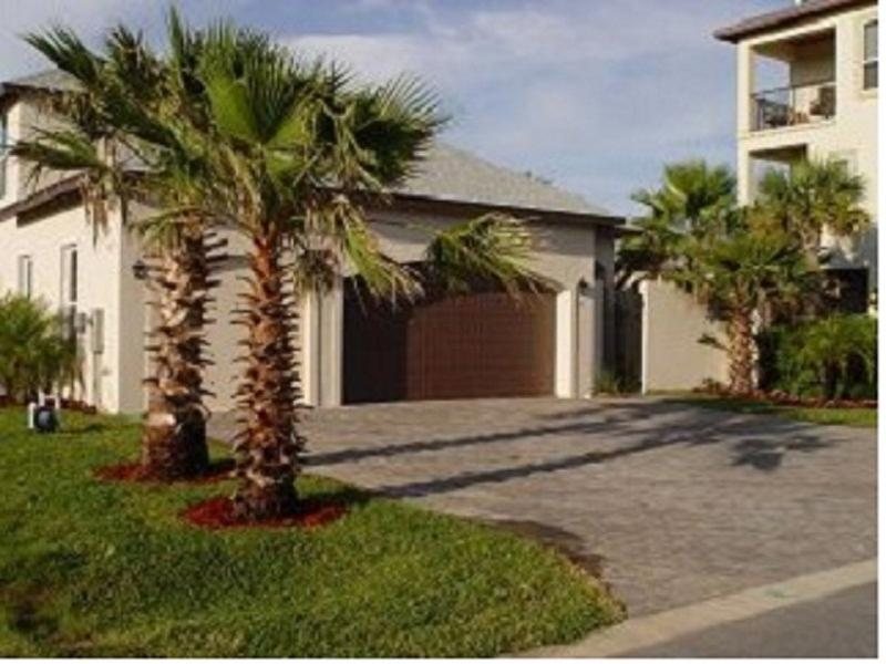 The Front View Of Tropical Oasis II. - 5bd/3bth Home With Pool - Destin - rentals