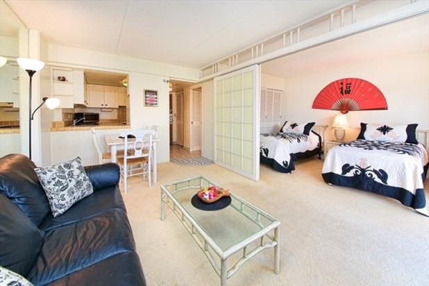 STEPS TO WAIKIKI BEACH 1 bdrm, 1 bath, 2 beds - Image 1 - Honolulu - rentals