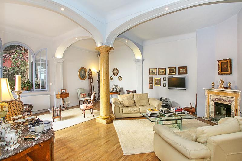 Villa Menton, Sleeps 9 - Image 1 - Menton - rentals