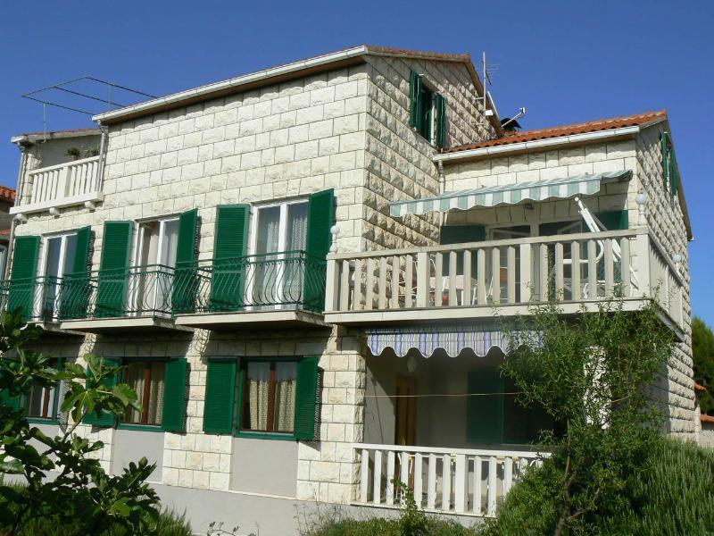 house - 4910  A2 dvorište(4+1) - Supetar - Supetar - rentals