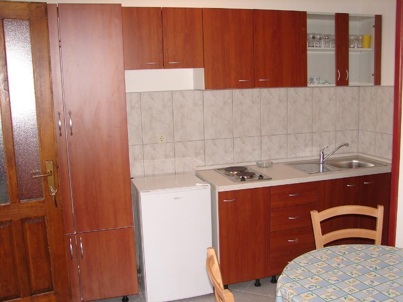 A2(2+1): kitchen - 00506VODI A2(2+1) - Tribunj - Tribunj - rentals