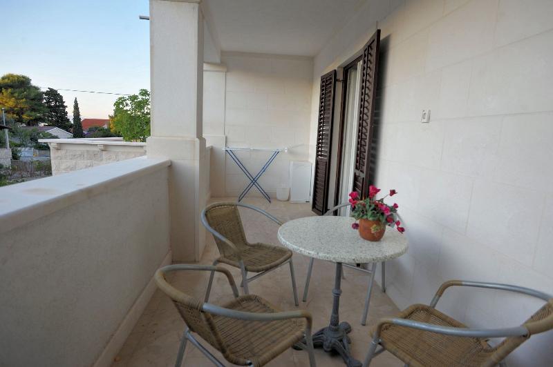 A1(4+1): terrace - 04901SUPE  A1(4+1) - Supetar - Supetar - rentals