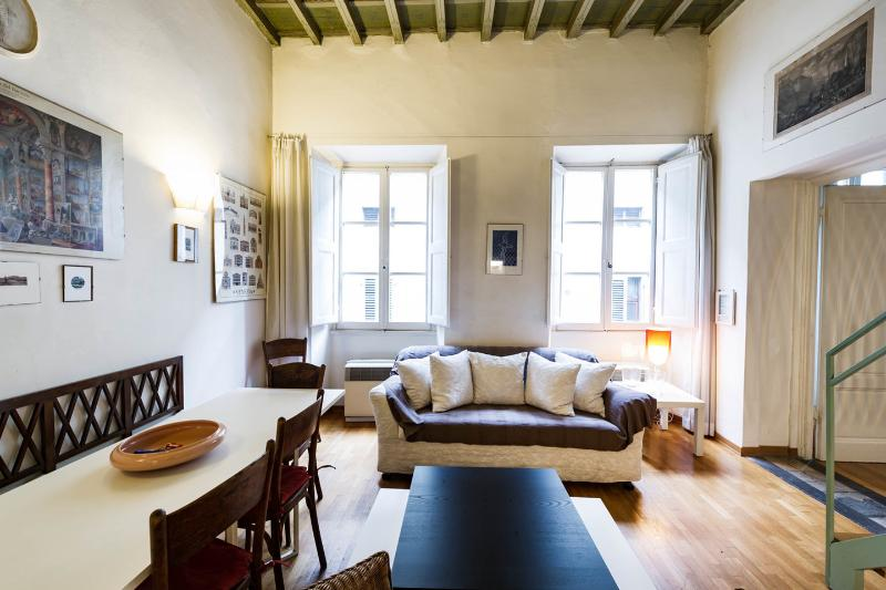 Living Room - 20% OFF Summer: MAGDA: apart. for 6, by the Duomo - Florence - rentals