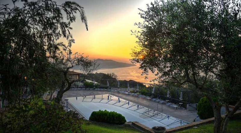 01 Azzurra shared pool area - AZZURRA - Termini - Massa Lubrense - Sorrento area - Sant'Agata sui Due Golfi - rentals