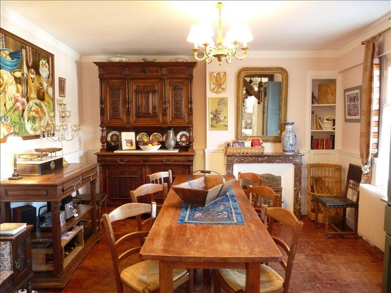 Farmhouse dining table, Old World charm - Historic Townhouse in Old Amboise with Castle View - Amboise - rentals