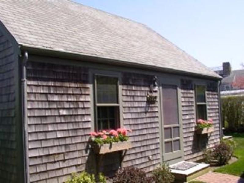 2 Bedroom 1 Bathroom Vacation Rental in Nantucket that sleeps 4 -(10152) - Image 1 - Nantucket - rentals