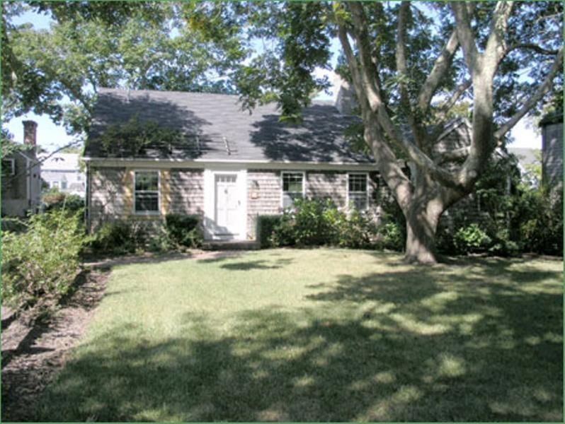 11 Rose Lane - Image 1 - Nantucket - rentals