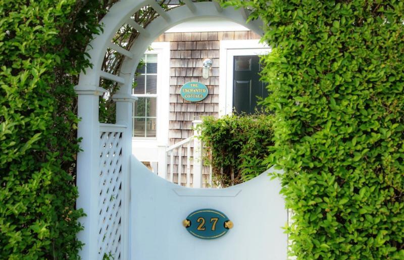 The Enchanted Cottage - Image 1 - Nantucket - rentals