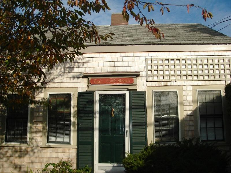 3 Bedroom 1 Bathroom Vacation Rental in Nantucket that sleeps 6 -(3694) - Image 1 - Nantucket - rentals