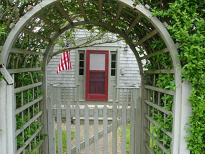 66 Easton Street - Image 1 - Nantucket - rentals