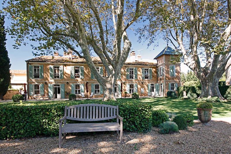 La Grande Bastide, Sleeps 10 - Image 1 - Raphele-les-Arles - rentals