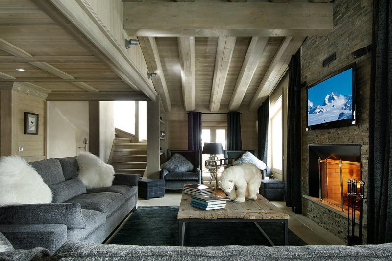 Chalet Black Pearl, Sleeps 10 - Image 1 - Val d'Isère - rentals
