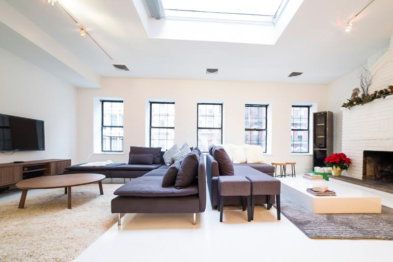 Chic Soho Loft, Sleeps 4 - Image 1 - New York City - rentals