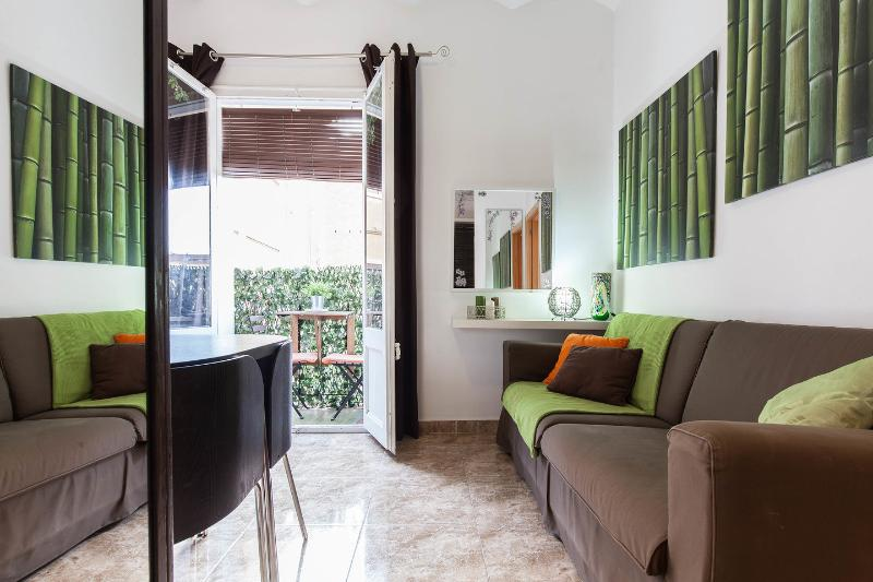 Living Room - ****3 BEDROOMS CAMP NOU APARTMENT ******* - Barcelona - rentals