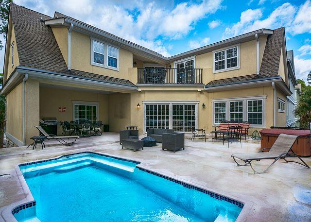Retreat to Low Country Manor - Low Country Manor, 6 Bedroom Private Heated Pool, 3rd Row to Beach, Sleeps 16 - Hilton Head - rentals