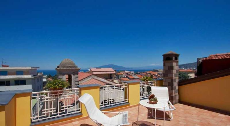 01 La Quiete shared roof solarium - LA QUIETE Sorrento - Sorrento area - Sorrento - rentals