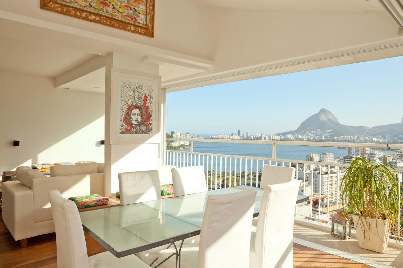 Al Fresco-Style 3 Bedroom Apartment in Humaitá - Image 1 - Rio de Janeiro - rentals