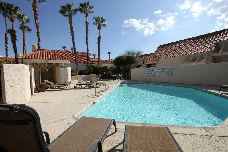 It is a Beautiful Day to take a swim at the Pool! - LocationUpgraded 2MasterWiFi,Pool,FreeUS&CANphone - Palm Desert - rentals