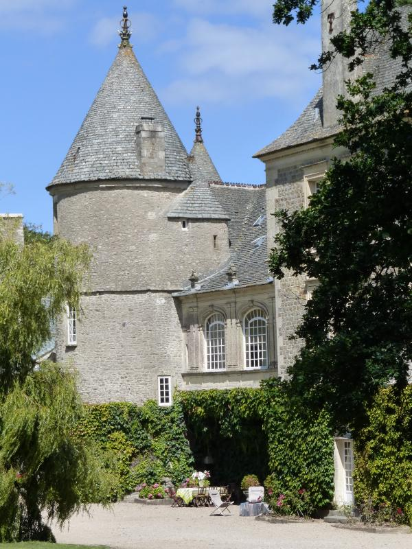 Elegant Tower Wing in Historic Chateau in Normandy - Villa Tocqueville - Image 1 - Tocqueville - rentals