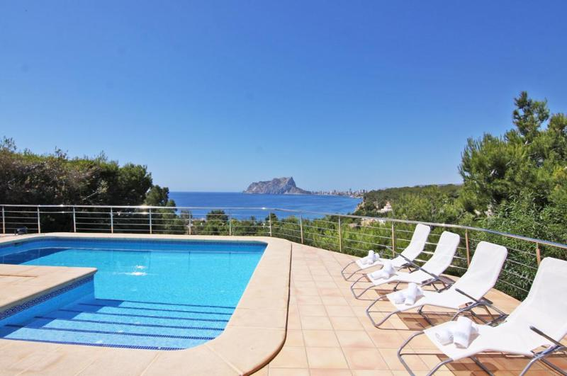 6 bedroom Villa in Benissa, Alicante, Costa Blanca, Spain : ref 2306414 - Image 1 - Benissa - rentals