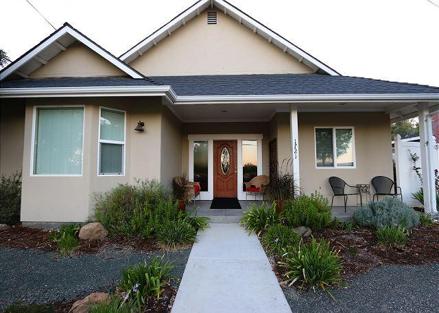 Charm on Chestnut--Great Westside Location Close to Downtown! - Image 1 - Paso Robles - rentals