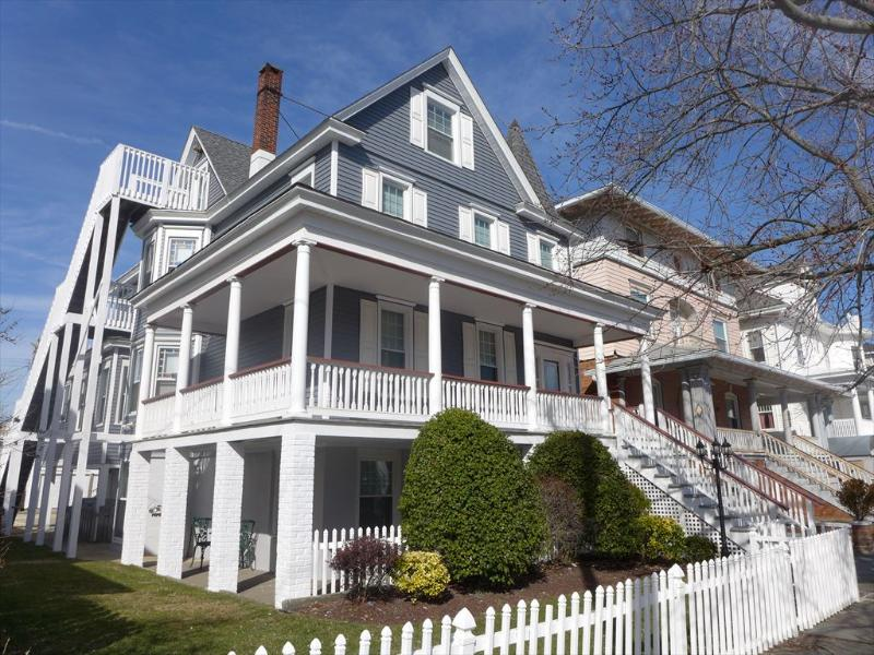 808 Wesley Avenue 2nd and 3rd 26997 - Image 1 - Ocean City - rentals