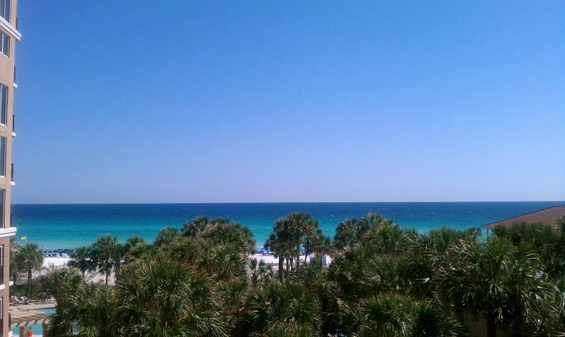 High enough for a nice view. Tram Included. $150 winter rates - Image 1 - Destin - rentals