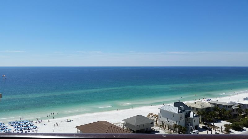 high floor, great views. Discounted rates  5- 2 bedrooms available! - Image 1 - Destin - rentals