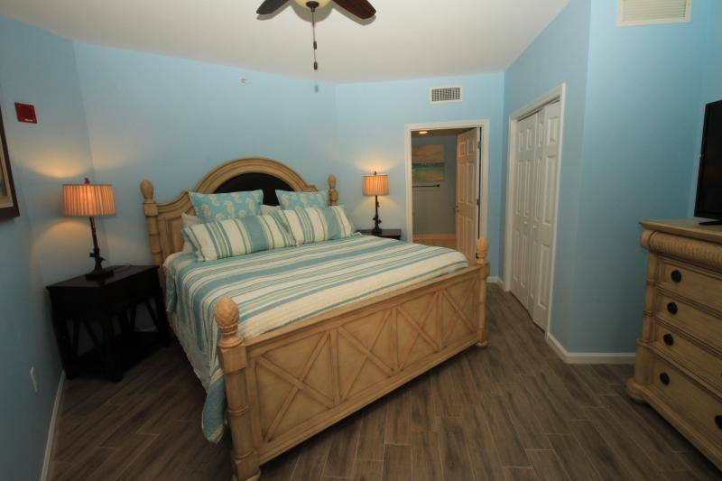 high floor, great views. Discounted rates  5- 2 bedrooms available! from $179! - Image 1 - Destin - rentals