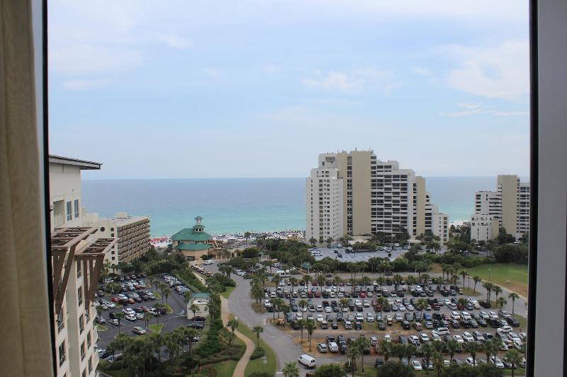 Great Rates. 3 Bedroom Condo. Gulf Views. Spacious Condo. - Image 1 - Destin - rentals