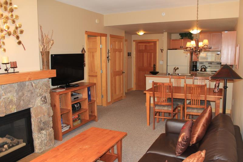 Living room - June rates $99/ night. We have multiple units avaialble. - Copper Mountain - rentals