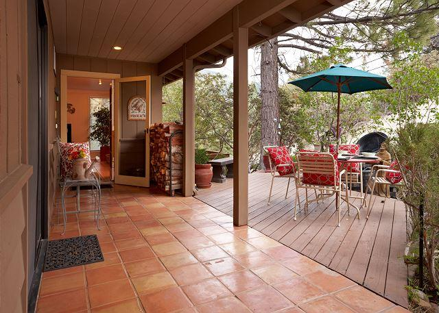 "IDY - - Beautiful 'Idyllwild Lodge"" A  Family Friendly Cabin - Idyllwild - rentals"